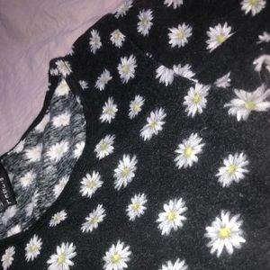 B Jewel Tops - Daisy Print Top